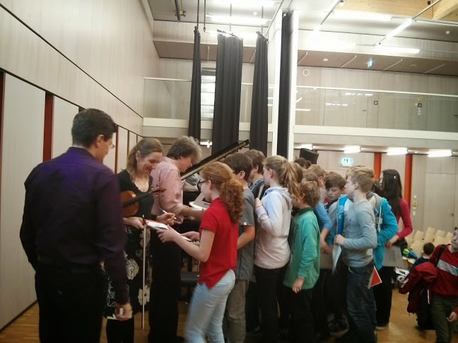 Meeting students after the school concert in Munich.