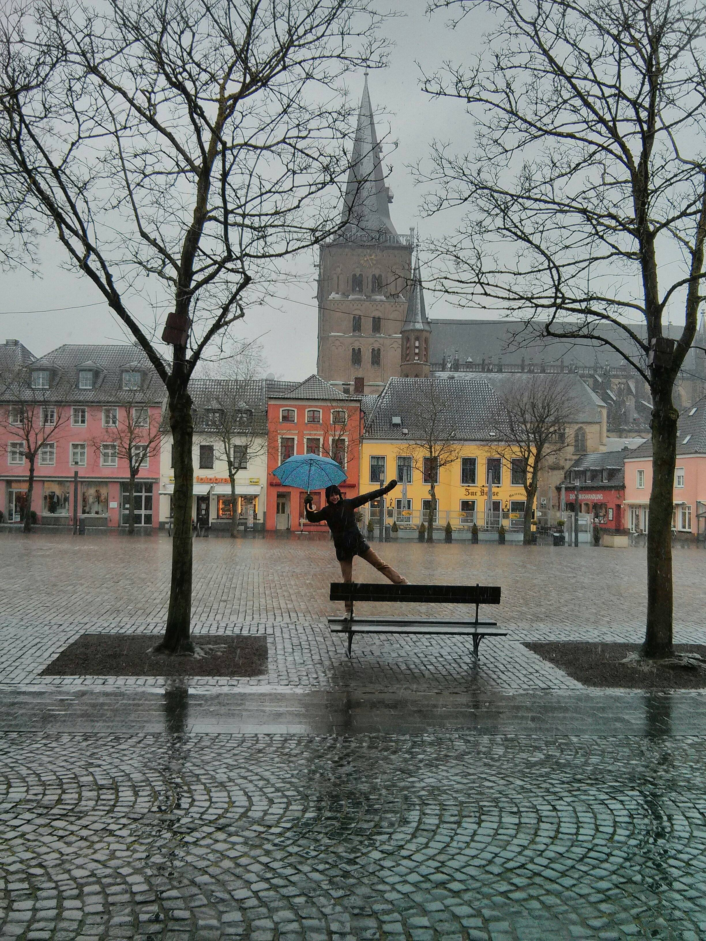 Nancy dancing in the rain in Xanten.