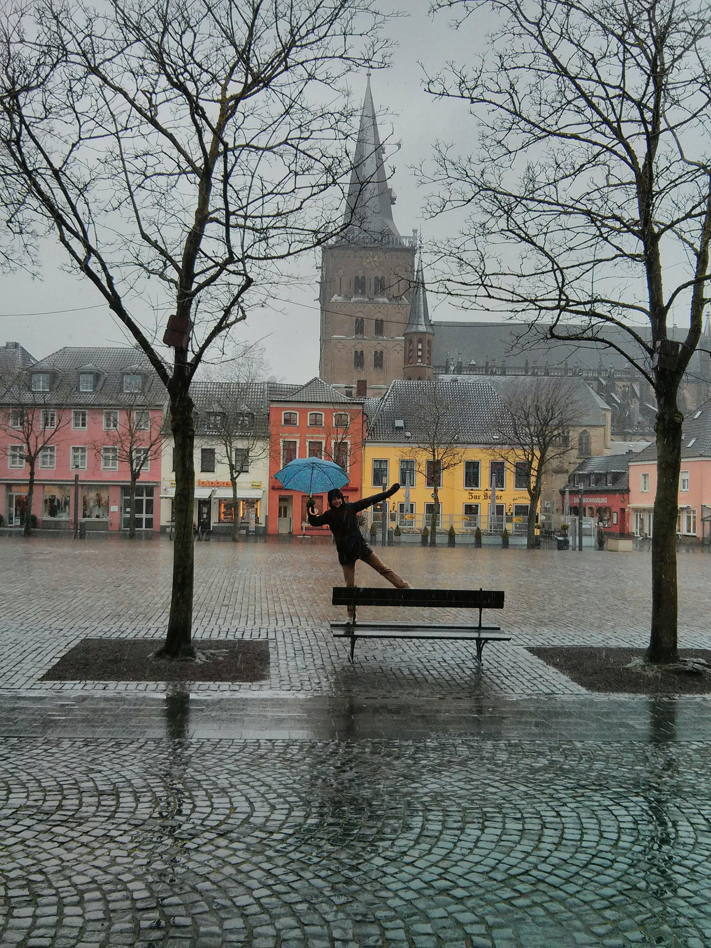 Nancy dancing in the rain in Xanten.